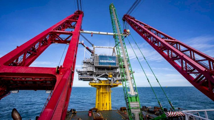 Successful installation of two offshore substations in the North Sea