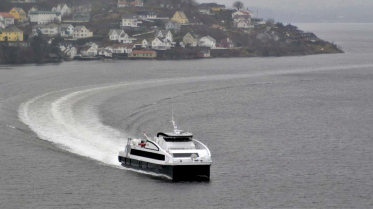 Oma Baatbyggeri delivers the last of three 39m catamarans to Norled