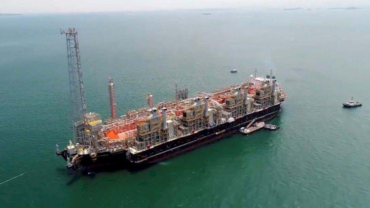 Oceaneering wins FLNG Contract