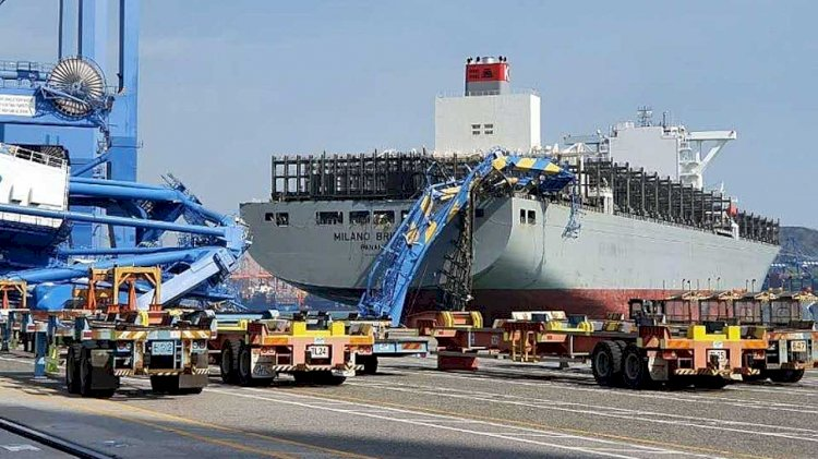 Milano Bridge hits Port of Busan gantry crane