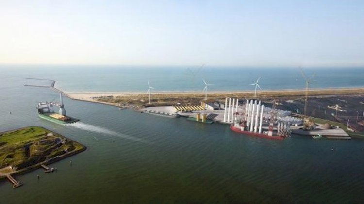 New Energy Port on the sea side of the North Sea Canal