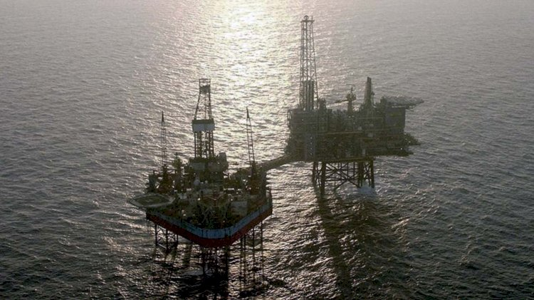 Maersk Drilling proposes to reduce the offshore crew pool