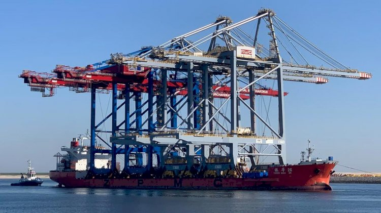 Two new deep sea quay cranes for RWG