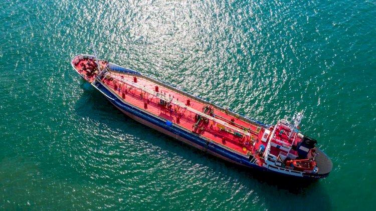 Saudi tanker armada set to strain oil storage with 43 million-barrel load