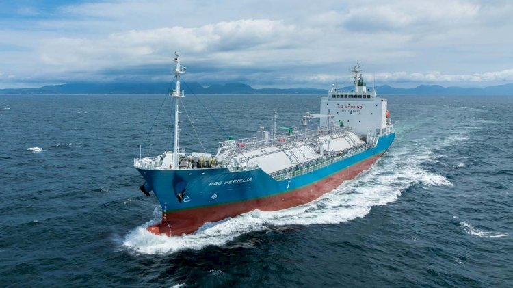 Paradise Navigation adopts Fleet Xpress and Infinity