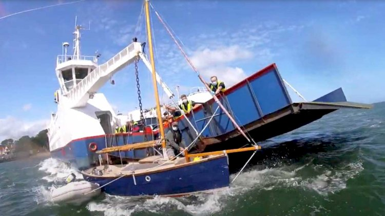 VIDEO: Dramatic rescue of boat pinned to the Sandbanks ferry