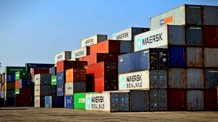 Maersk to acquire European specialist KGH Customs Services