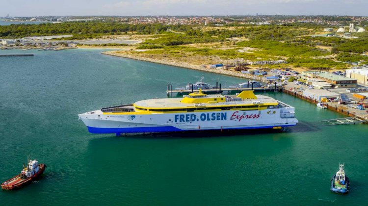 Austal delivers first of two 118 metre trimarans to Fred. Olsen Express