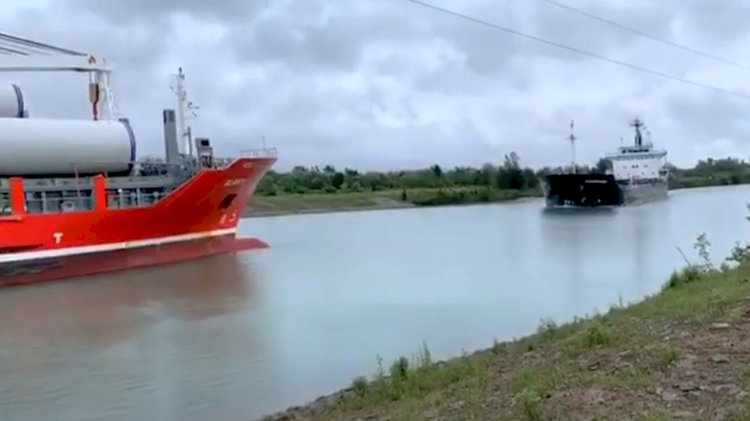 VIDEO: Generals cargo ships collision in Welland Canal, Great Lakes
