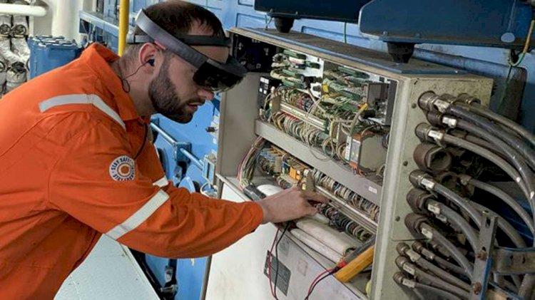 Bakker Sliedrecht services ships Anthony Veder remotely via AR-glasses