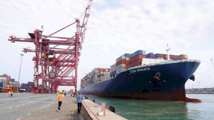 Benin Terminal welcomes a 300 m container ship for the first time ever