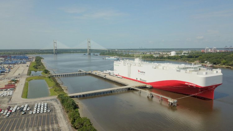 First of its kind LNG-powered vehicle carrier calls JAXPORT