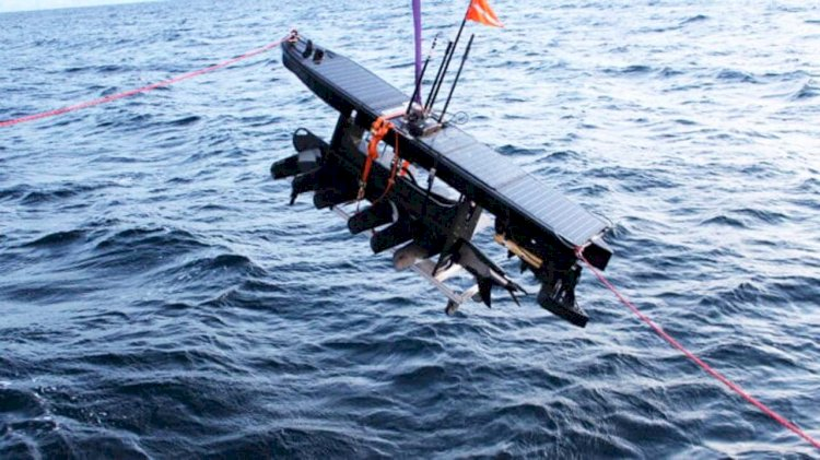 Autonomous unmanned robot will hunt for plastic in the Arctic
