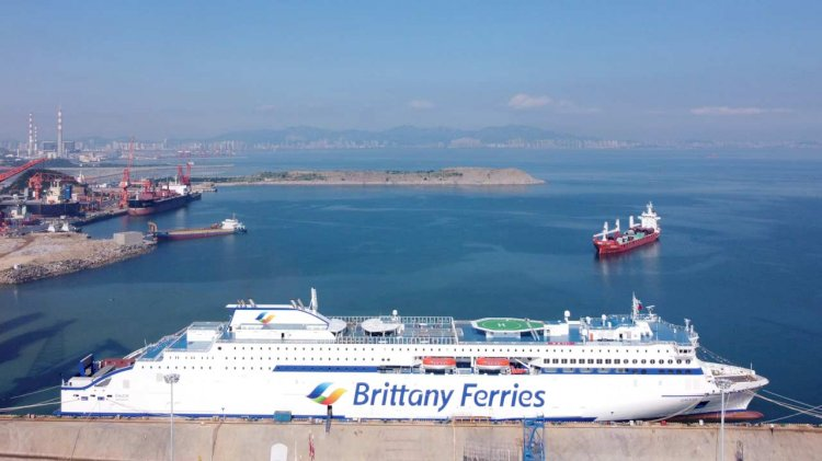 Stena RoRo's E-Flexer Galicia delivered to Brittany Ferries