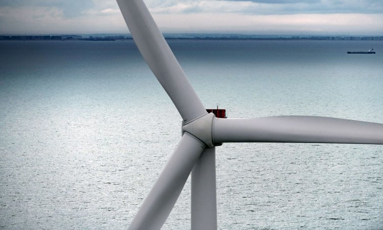 First ever V164-9.5 MW turbine installed on a floating wind project Aarhus