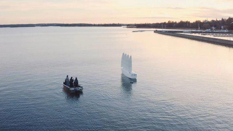 KTH succeeded: The Oceanbird model sails using wind power