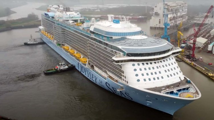 VIDEO: Odyssey of the Seas leaves MEYER WERFT's building dock