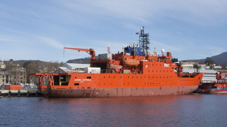 Icebreaker leaves Australia after 150 Antarctica trips
