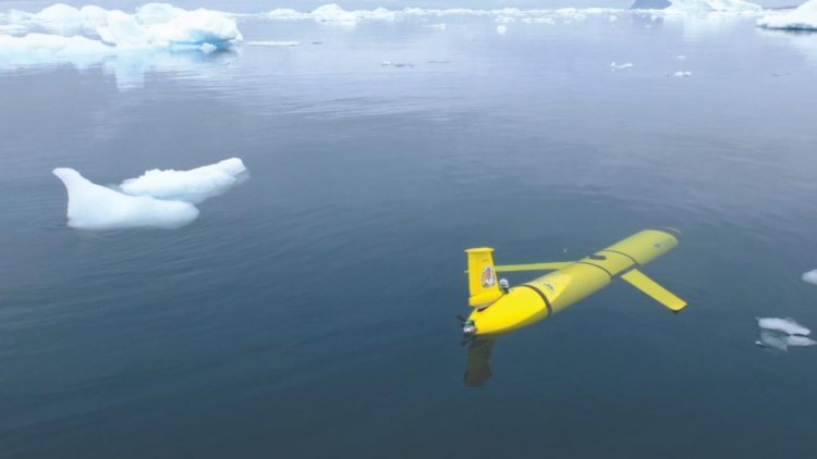 Mission to investigate giant iceberg launches