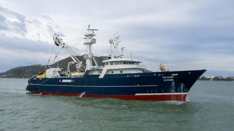 PIRIOU delivers a new 67m freezer tuna seiner to VIA OCÉAN