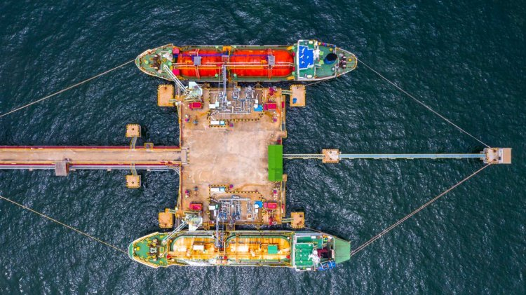 Waiting for future alternative fuels 'not an option', says SEA-LNG