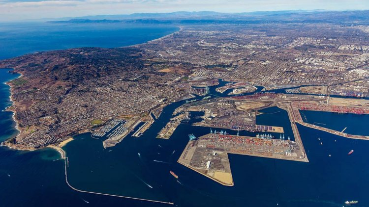 """Port of Los Angeles launches new """"Control Tower"""" data tool for tracking cargo"""