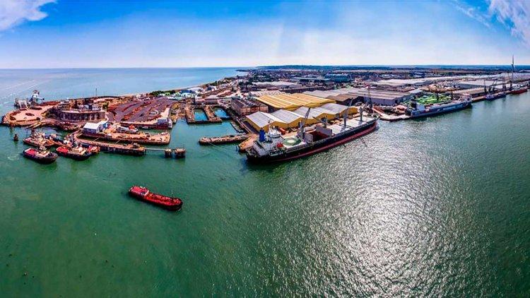 Peel Ports London Medway welcomes new freight-only ferry service