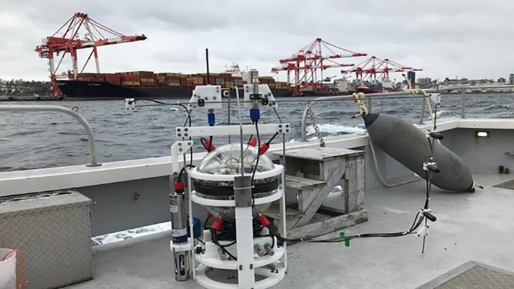 Successful deployment of autonomous lander to deepest part of global ocean