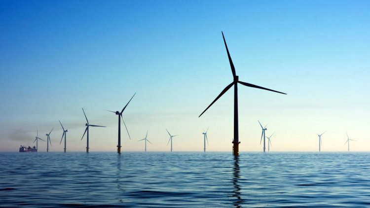 An expenditure splash of $810 billion is expected for the offshore wind industry this decade