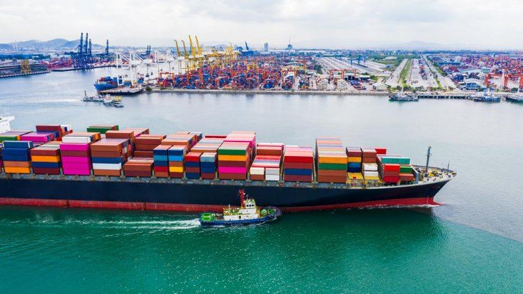 Global Ship Lease announces agreement to acquire 12 containerships