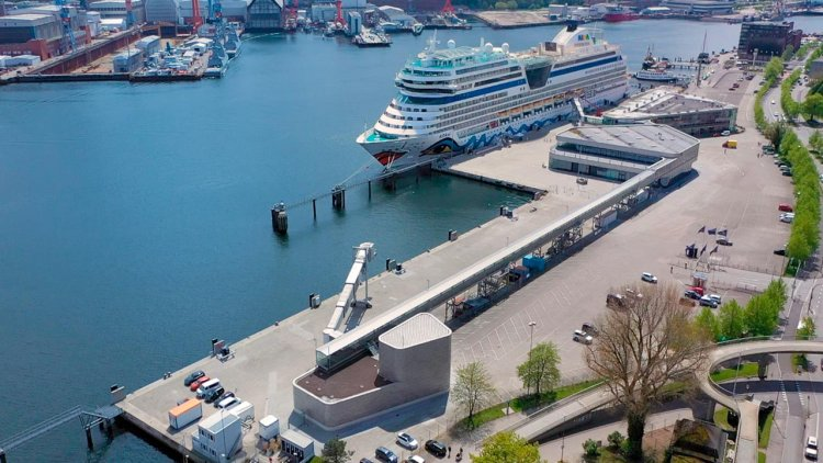 On-shore power plant at Kiel's Ostseekai inaugurated