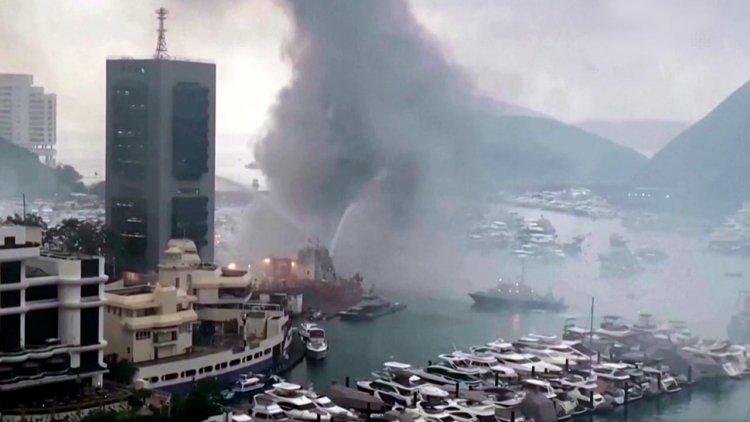 VIDEO: Ten cabin cruisers sink in Hong Kong marina hearth