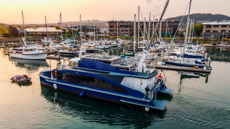 Incat Crowther launches zero-emissions hydrogen fuel cell ferry
