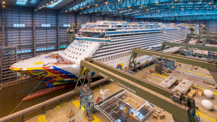 Meyer Werft's new ship for Norwegian Cruise Line leaves the dock