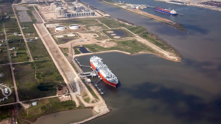 McDermott, Zachry and Chiyoda announce first liquid from Freeport LNG Train 1