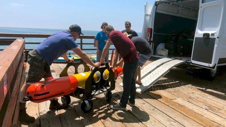 Subsea engineers test robots to tracking oil spills under the arctic ice