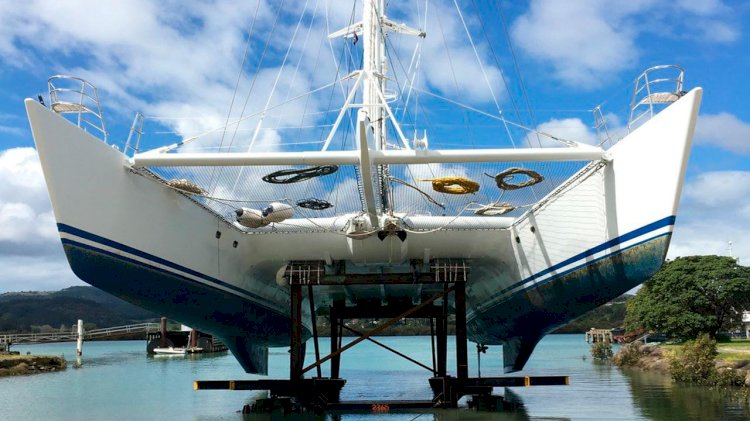 One of the worlds largest sailing catamarans hauls out at Oceania Marine