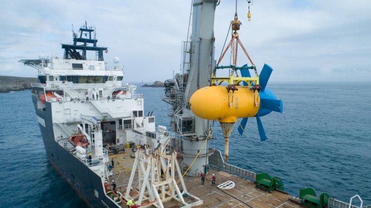 Tidal energy: Re-installation of D10 turbine near Ushant Island