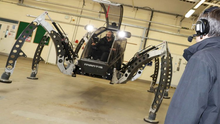 British sailors grappled with giant robot Spider