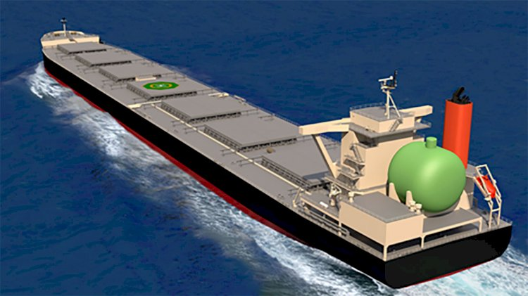 World's first LNG-fueled large coal carrier