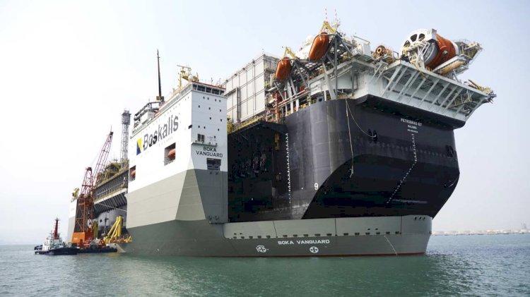 One dead on board of FPSO in transit on Vanguard