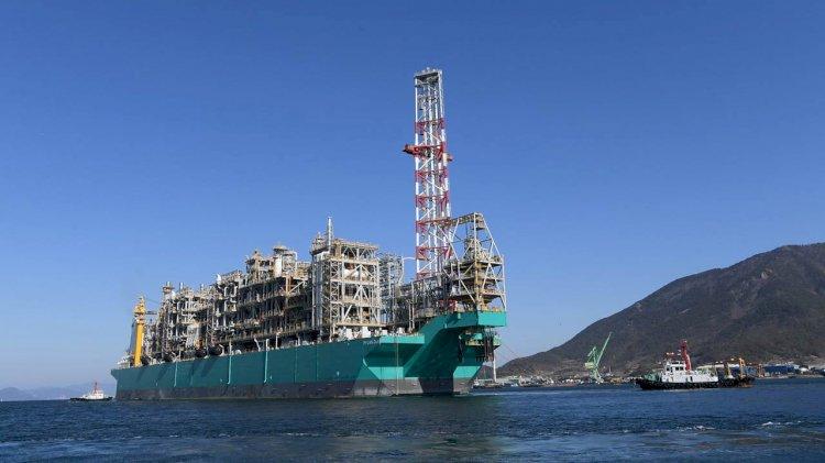 PETRONAS' floating LNG vessel sets sail to Rotan Gas Field