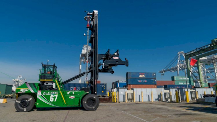 First ever battery-electric top handlers operating at two Long Beach terminals